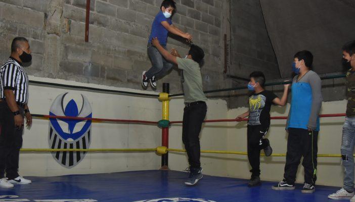 Inauguran Escuela Municipal de Lucha Libre Zapotlán